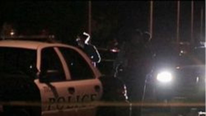 Policia de Tucson investigando el tiroteo