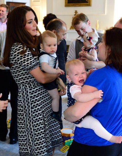 Los bebés que asistieron a la reunión tienen la misma edad del príncipe...