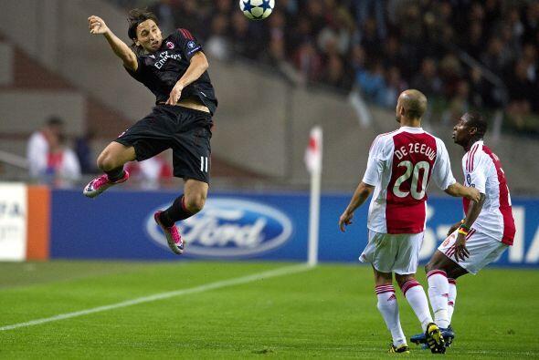 Pero el sueco Zlatan Ibrahimovic igualó para el 1-1 final.