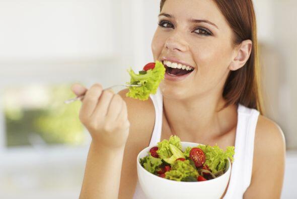 También puedes preparar una ensalada o postre que te guste, cocinar es u...