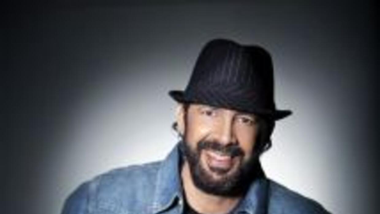 El cantautor dominicano se encuentra en la promoción de su más reciente...