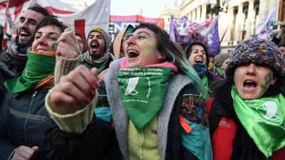 Proyecto de legalización del aborto en Argentina pasa al Senado tras aprobación en la Cámara de Diputados