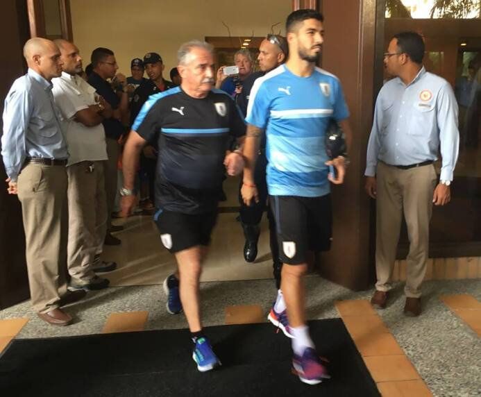 Édinson Cavani y Luis Suárez ya están con la Celeste para los juegos ant...