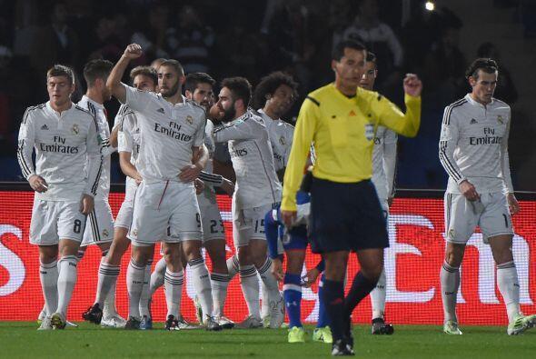 El segundo gol no tardaría en llegar, un centro de Marcelo al punto pena...