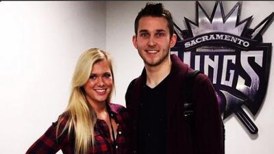 El basquetbolista tendra que prestar a su novia a un aficionado.