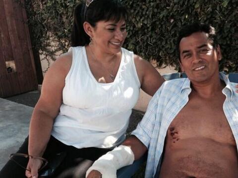 Steve Robles sobrevivió un ataque de tiburón en las playas...