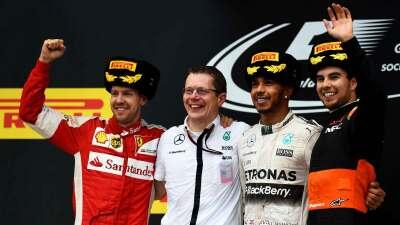 Hamilton ganó, 'Checo' Pérez 3ro. en Rusia