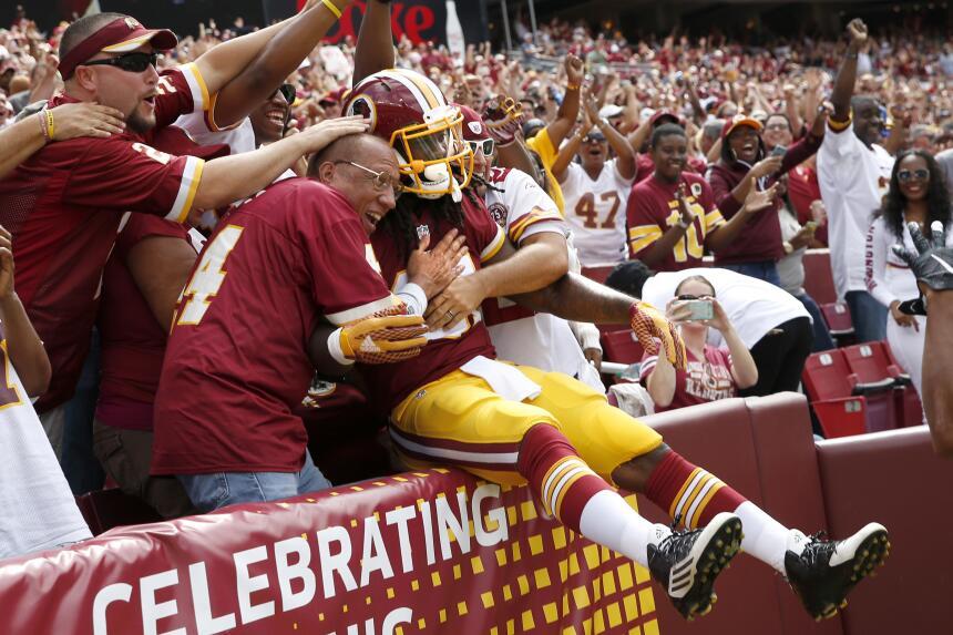 El novato Matt Jones respondió ante los Rams y los Redskins se llevaron...