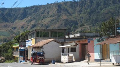 Calle del muncipio Concepción, en Guatemala