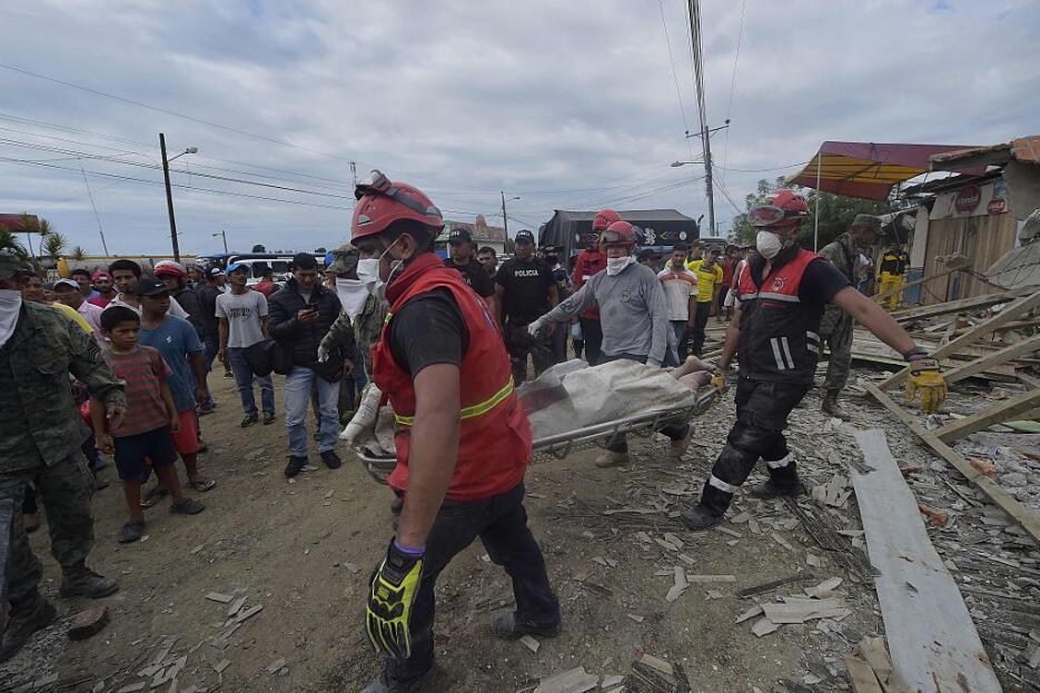 Las imágenes que nos deja el potente terremoto en Ecuador  ecuador17.jpg