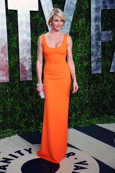 Cameron Díaz irradió luz con este vestido naranja, color muy usado dentr...