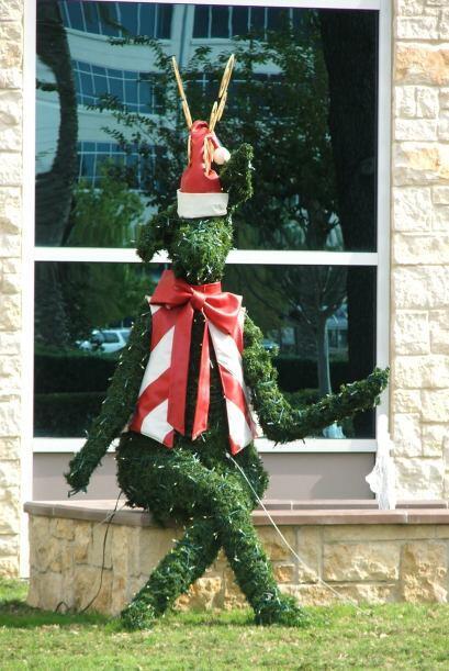 Algunos centros comerciales también están listos para recibir la Navidad.