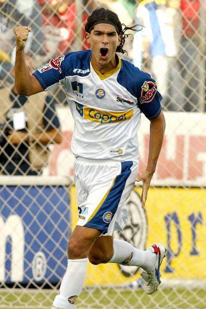 El uruguayo Sebastián 'Loco' Abreu compartió el tít...