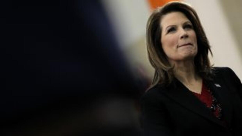 Bachmann renuncia a nominación republicana.