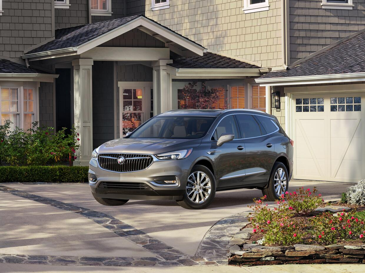 Buick 2018-Buick-Enclave-001.jpg