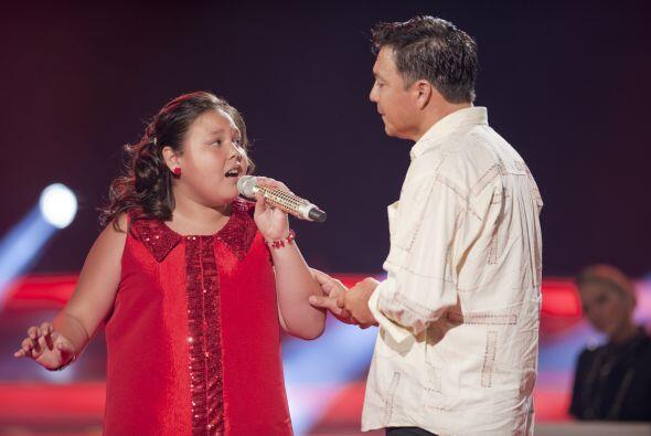 ¡Qué gran emoción debió sentir el padre de Dana al tenerla cantándole fr...