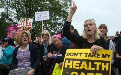 Este martes hubo protestas en Washington en medio de las discusiones sob...