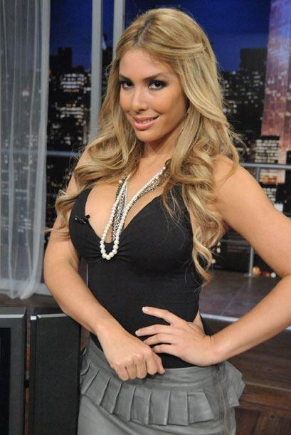 La rubia ha hecho varios reportajes para el programa Escándalo TV.