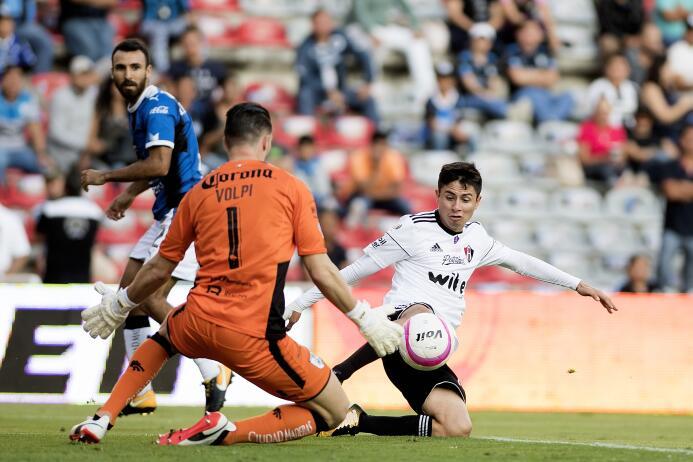 Vuelve Rafa Márquez y Querétaro le regala el empate al Atlas 20171028-79...