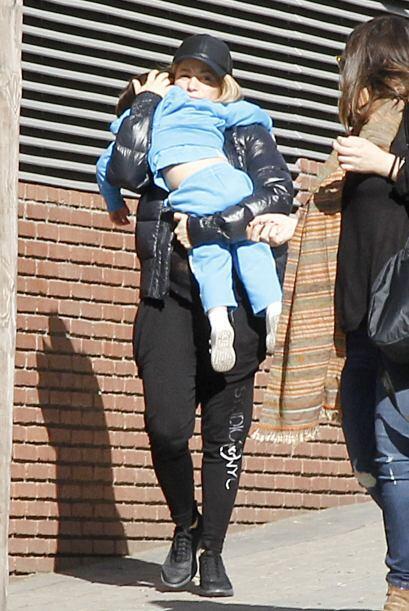 Shakira intentaba ocultarlo de las cámaras.