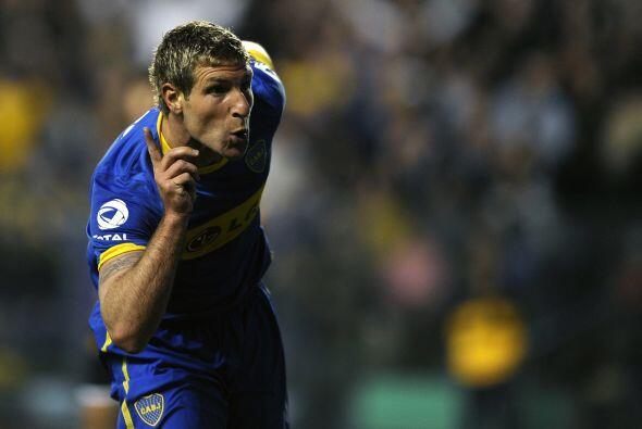El año del ´Loco´. Martín Palermo marcó el gol 300 de su carrera en el e...