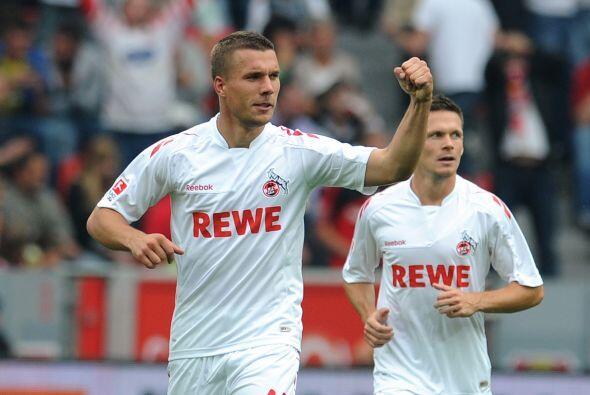 También en el ataque se encuentra el nacido en Polonia Lukas Podolski.