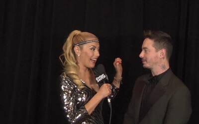 Luisa Fernanda habla con J Balvin después de los Latin Grammy 2015