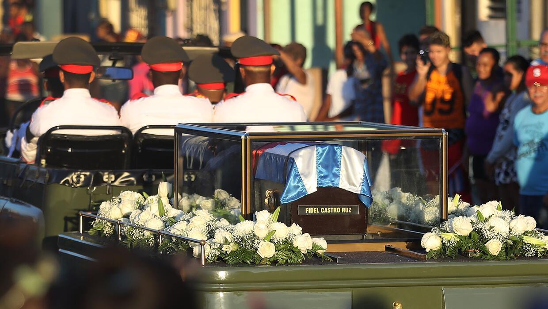 El entierro de Fidel Castro hace que muchos cubanos se imaginen cómo ser...