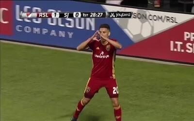 Derechazo del mexicano Luis Silva coloca arriba al Real Salt Lake