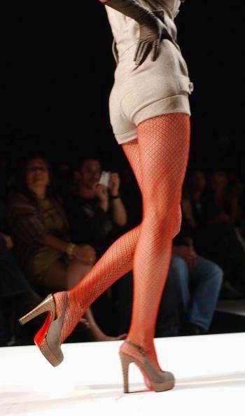 Las medias de naylón estampado fueron un accesorio de mega tendencia ese...
