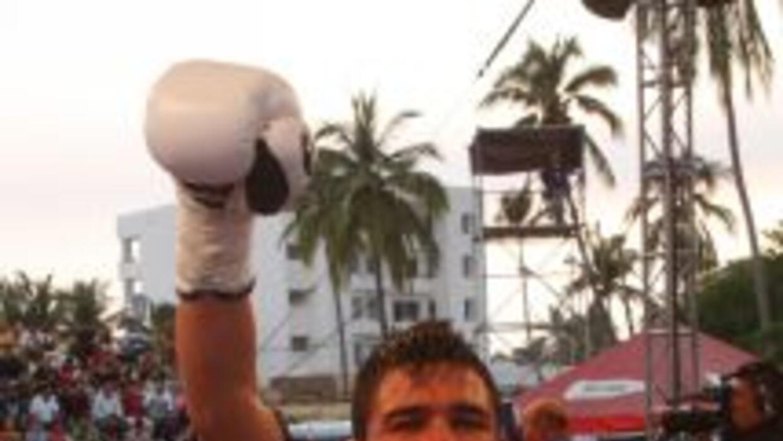 """Juan José """"Goofy"""" Montes regreso a la senda del triunfo tras derrotar a..."""