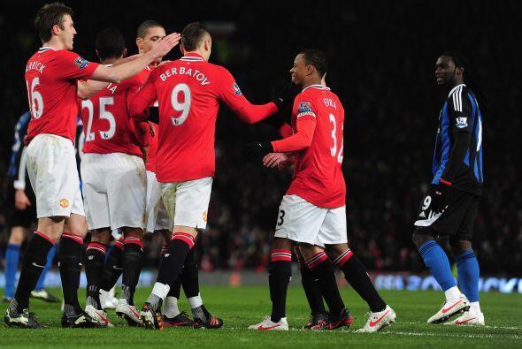 El atacante búlgaro no desentonó y con este gol el United se impuso por...