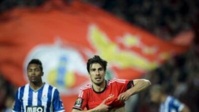 Andre Gomes celebra su gol ante Oporto.