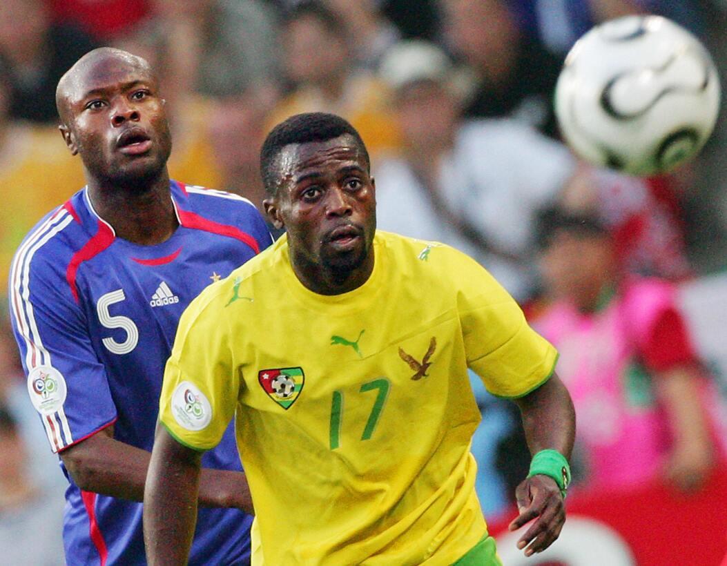 Togo jugó el Mundial del 2006 y lo hizo con esta playera Puma, que desta...