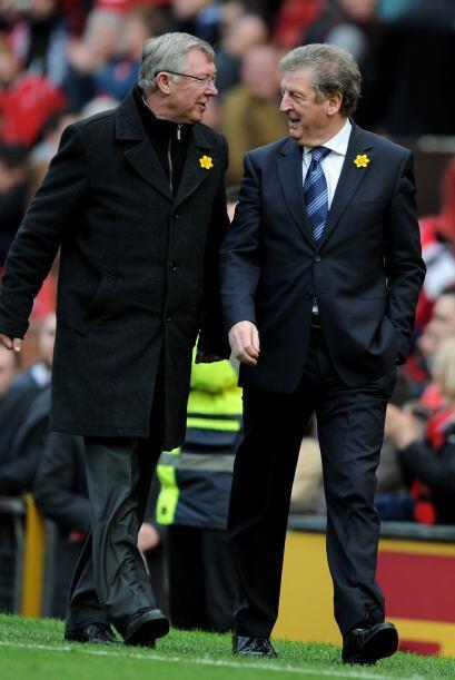 Los técnicos se saludaron a pesar de que fue Sir Alex Ferguson y los suy...