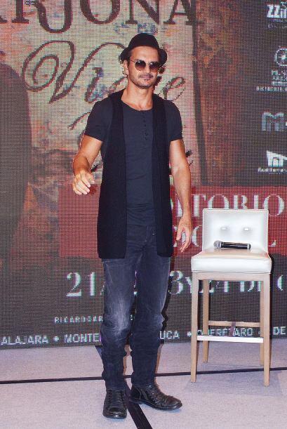 Ricardo Arjona es otro que no se queda atrás.