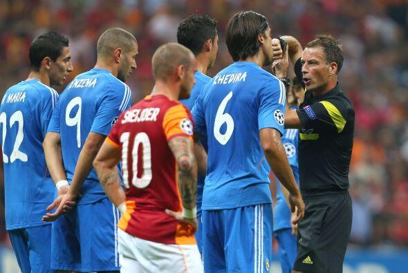 Los reclamos hacia el árbitro no faltaron por ambos bandos.