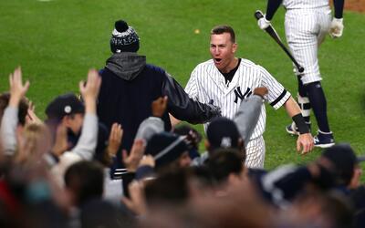 Los Yankees de NY celebraron en grande la victoria de hoy. Perdía...