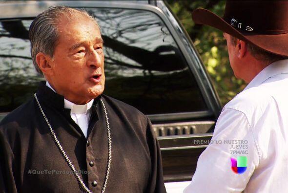 Pero es muy raro que le revelaste todos tus crímenes al padre Francisco....