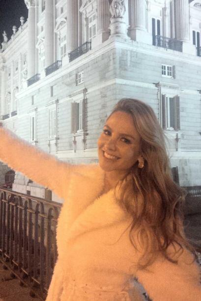 """""""Un saludito desde #palacioreal España los quiero y los extraño @despier..."""