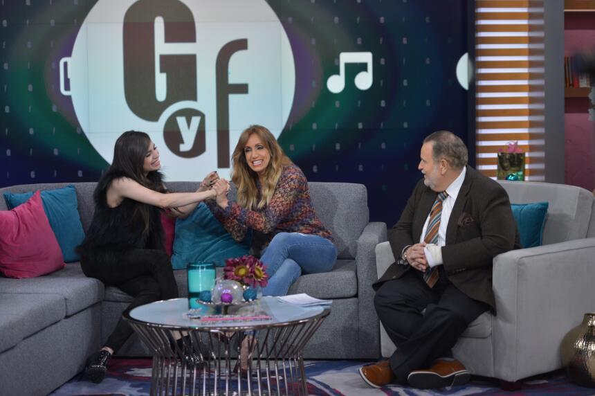 La actriz y cantante Sofía Carson causó tremendo revuelo en su visita al...