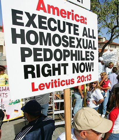 Anti gaysEl sentimiento de odio también se manifiesta muy fuerte contra...