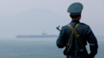 Un portaaviones estadounidense llega a Vietnam, el primero desde el fin de la guerra (fotos)