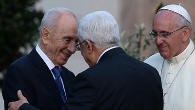 El Papa Francisco reune a los líderes de Israel y Palestina para orar po...