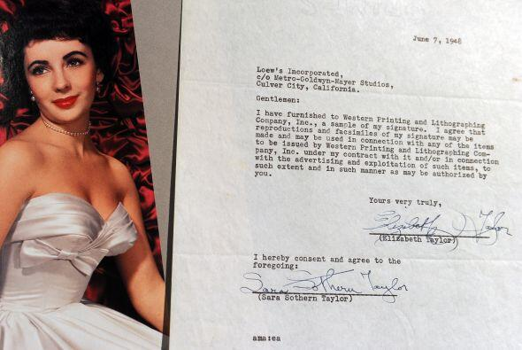 De igual manera en subastaron cartas de amor escritas por la estrella de...