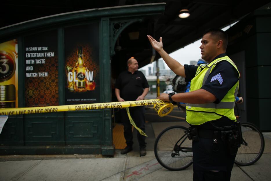 Todos los accesos a la estación fueron clausurados hasta nuevo aviso.