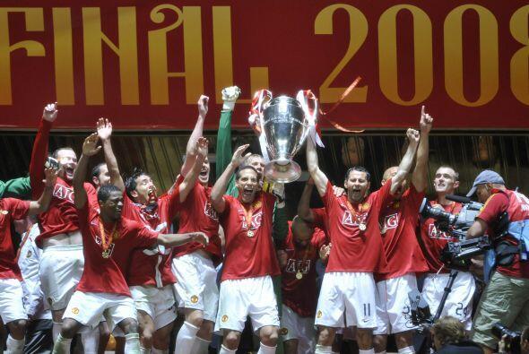 2008 fue inglés, ya que la Final se disputó entre Manchester United y Ch...