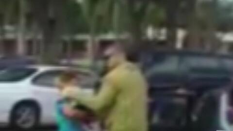 Madre vivió momentos de terror en un estacionamiento