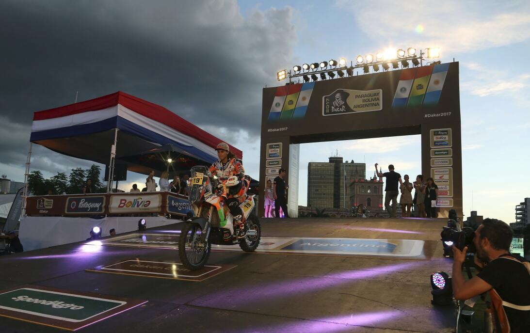 Así fue el comienzo del Rally Dakar en Paraguay AP_17002032262561.jpg