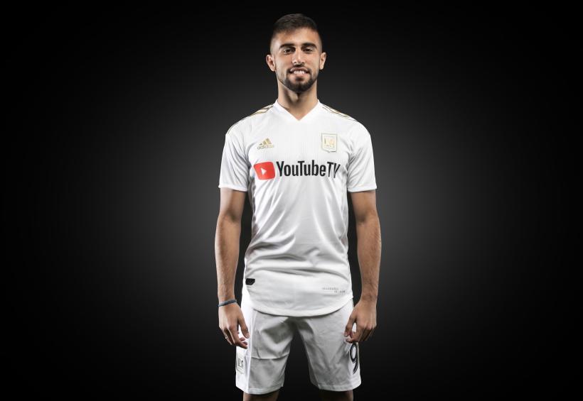 Diego Rossi uniforme blanco LAFC